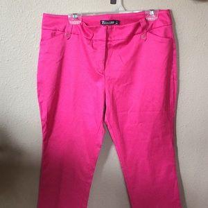 Women's size 12 7th Avenue pink Capri pants